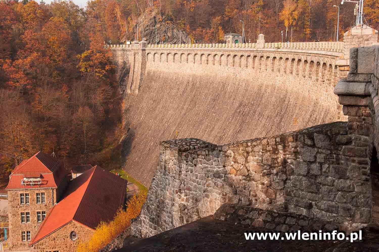 Most nad Jeziorem Pilchowickim to małe arcydzieło sztuki inżynieryjnej.